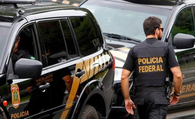 Agentes da Polícia Federal.